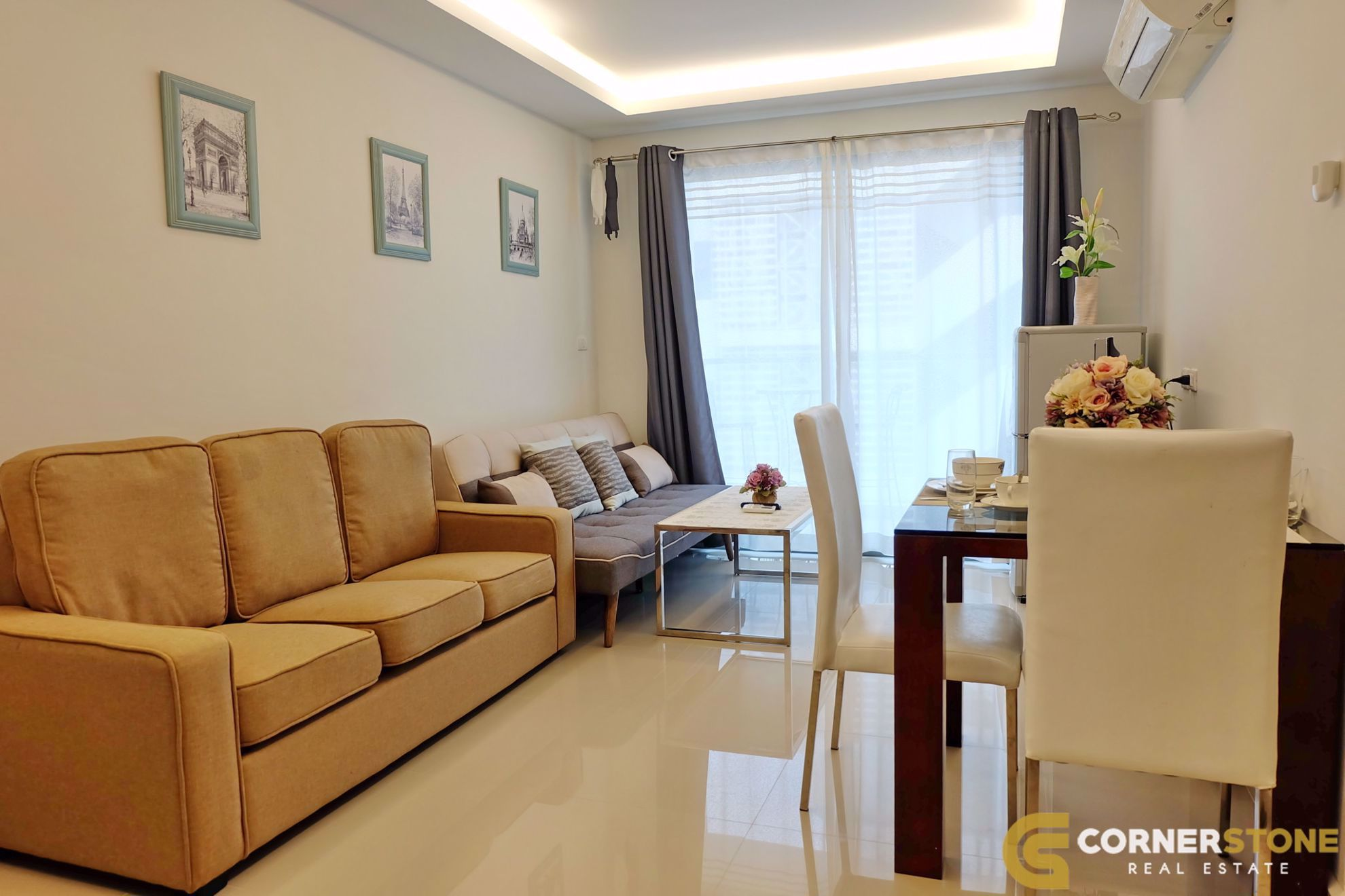 Condo in Club Royal Wongamat 1904
