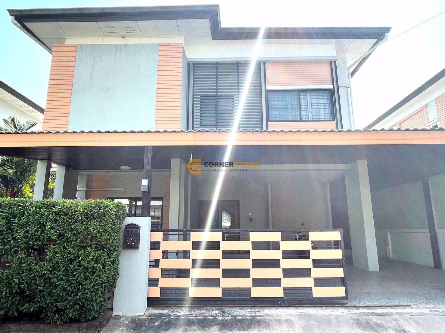 3 Bedrooms House  for rent and for sale in Patta Village in East Pattaya H002054