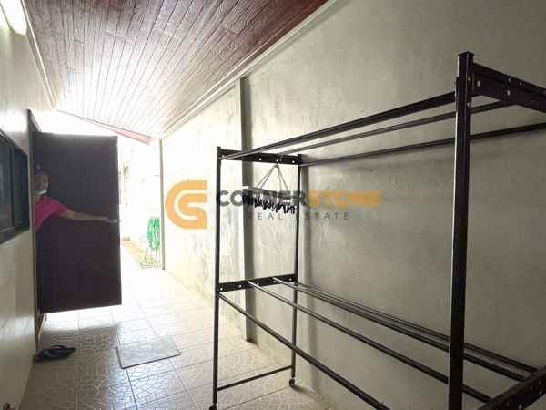 Picture of 3 Bedrooms House  for rent and for sale in Patta Village in East Pattaya H002054