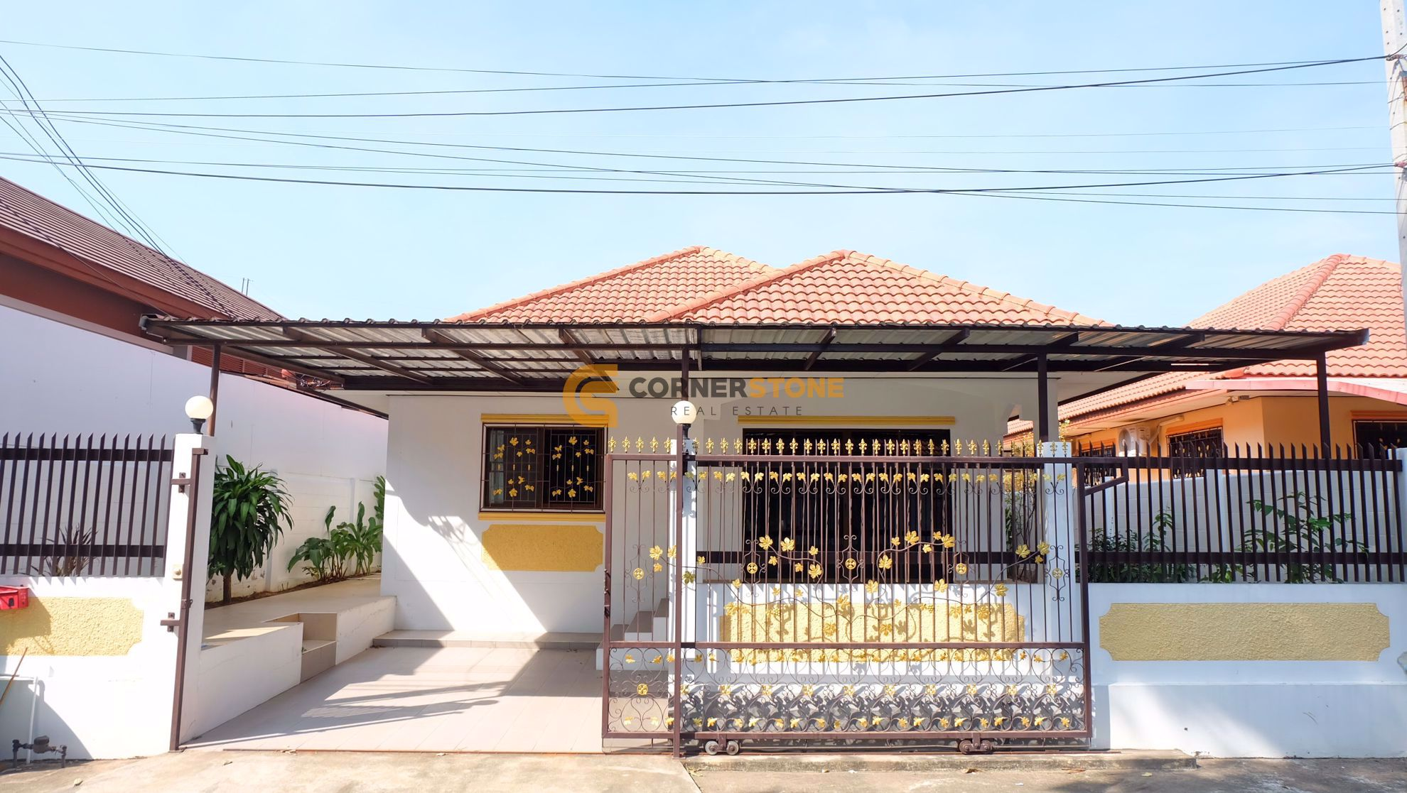 2 Bedroom House in Royal View Village in East Pattaya H002059
