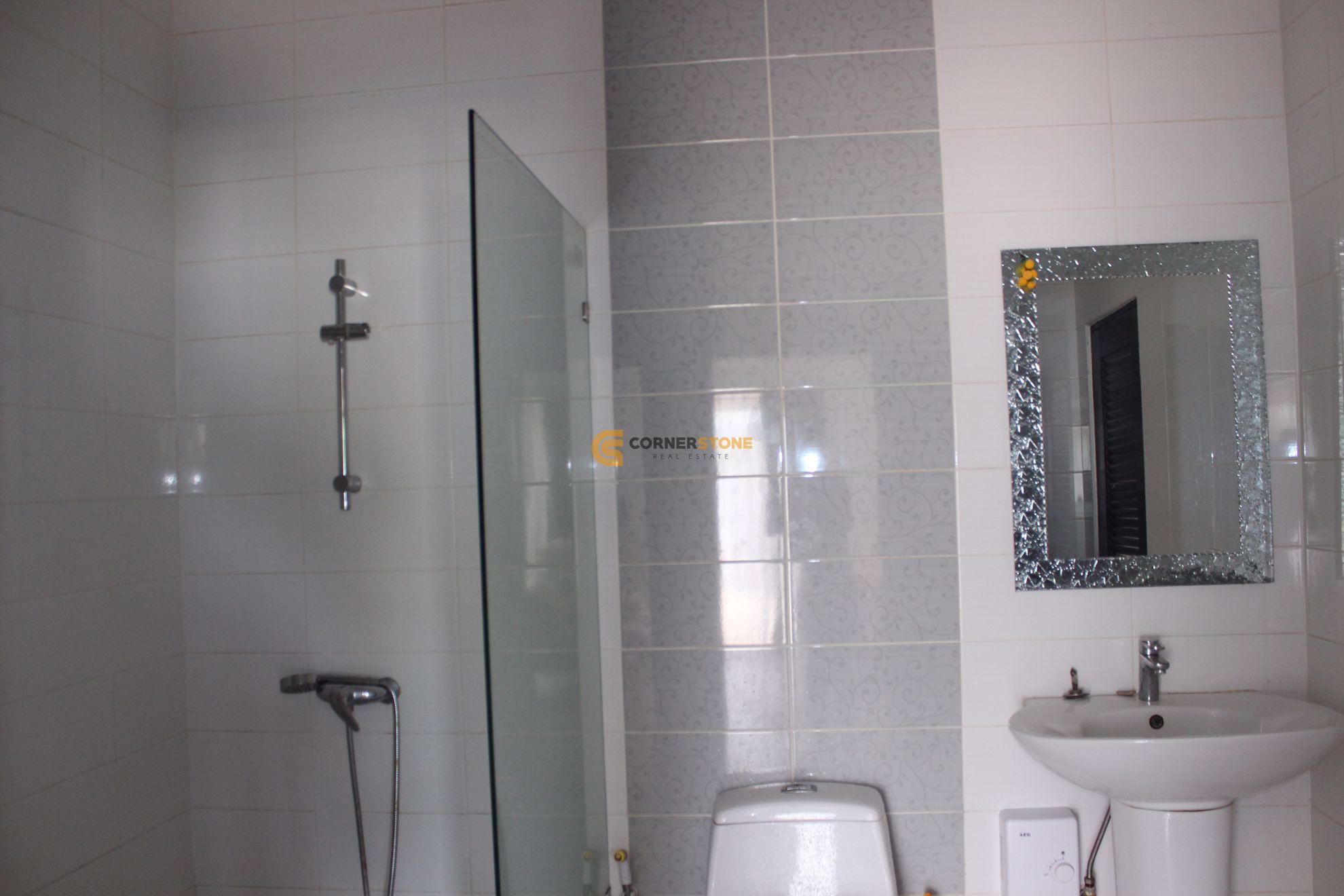 2 Bedroom House in Oasis Park in East Pattaya H002096