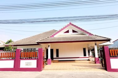 Picture of 3 Bedroom House in European Thai House in Pattaya H002103