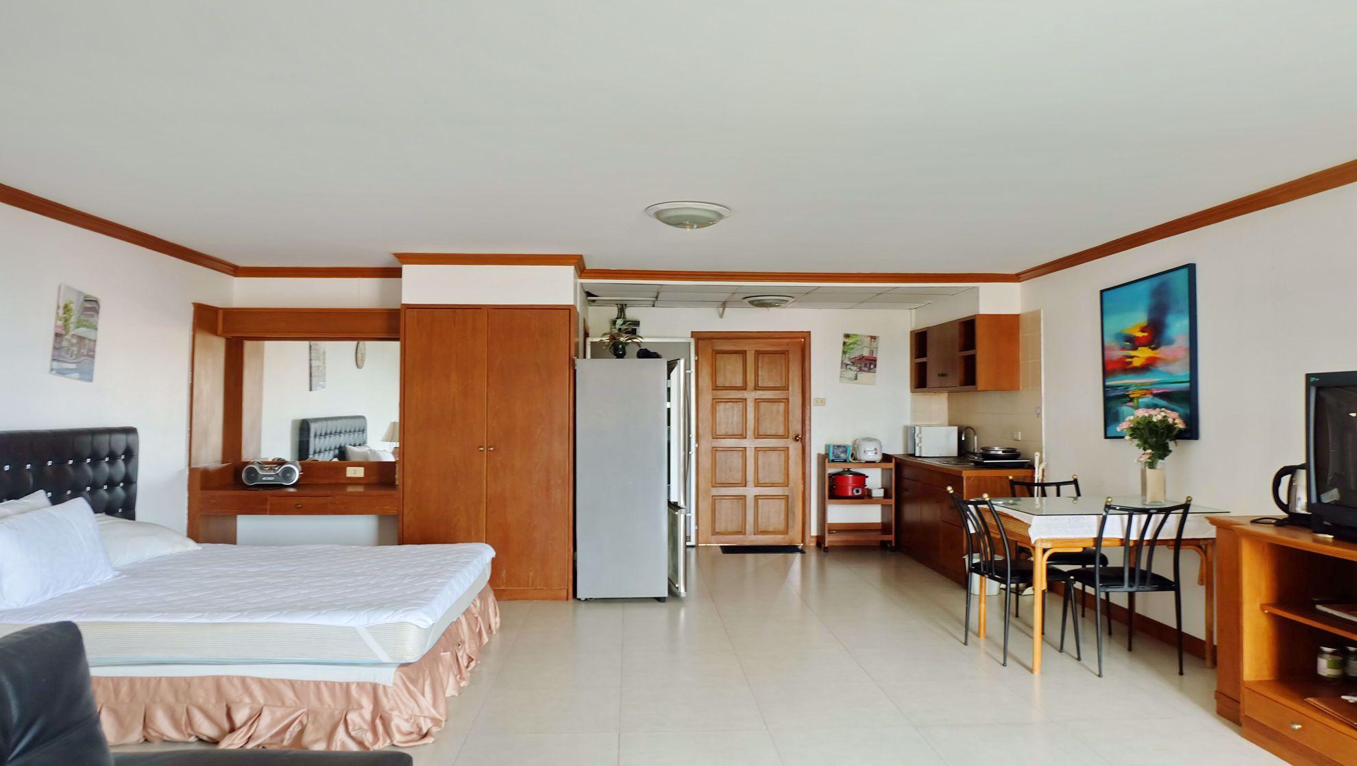 Studio bed in Condo in Grand View Condominium in Na Jomtien C002130