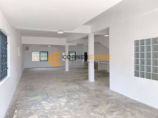 Picture of 4 bed House in East Pattaya H002243