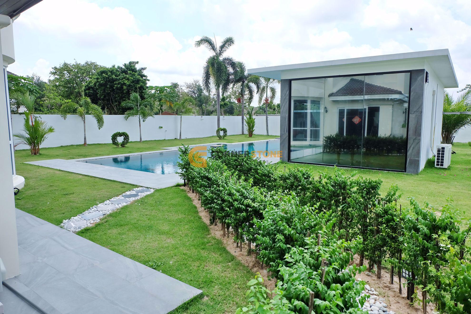 Private Villa next to Phoenix Gold Golf Course
