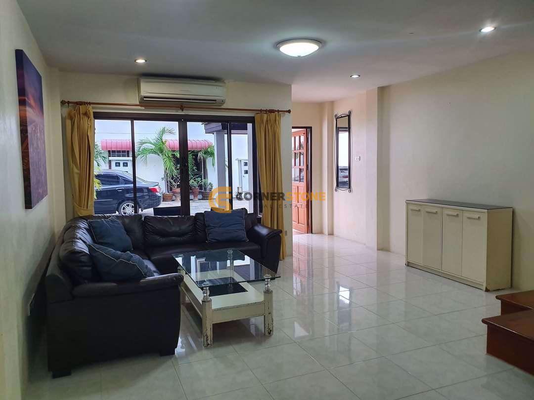 4 bed House in Corrib Village in East Pattaya H002352