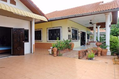 Picture of 3 bed House in Eakmongkol Village 4 in East Pattaya H002372