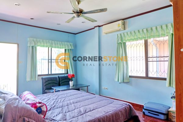 Picture of 5 bed House in Eakmongkol Village 4  East Pattaya H002445