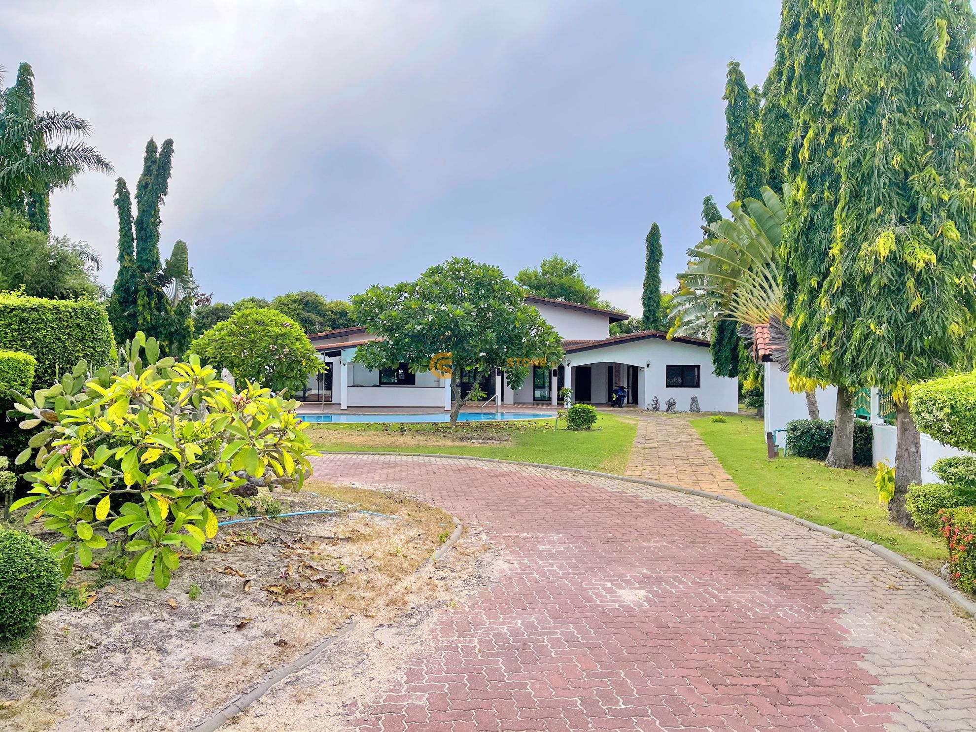 Horseshoe Point Villa