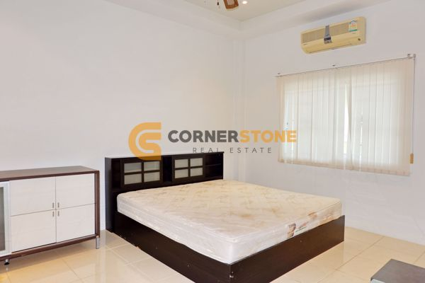 Picture of 4 bed House in Green Field Villas 1 in East Pattaya H002459