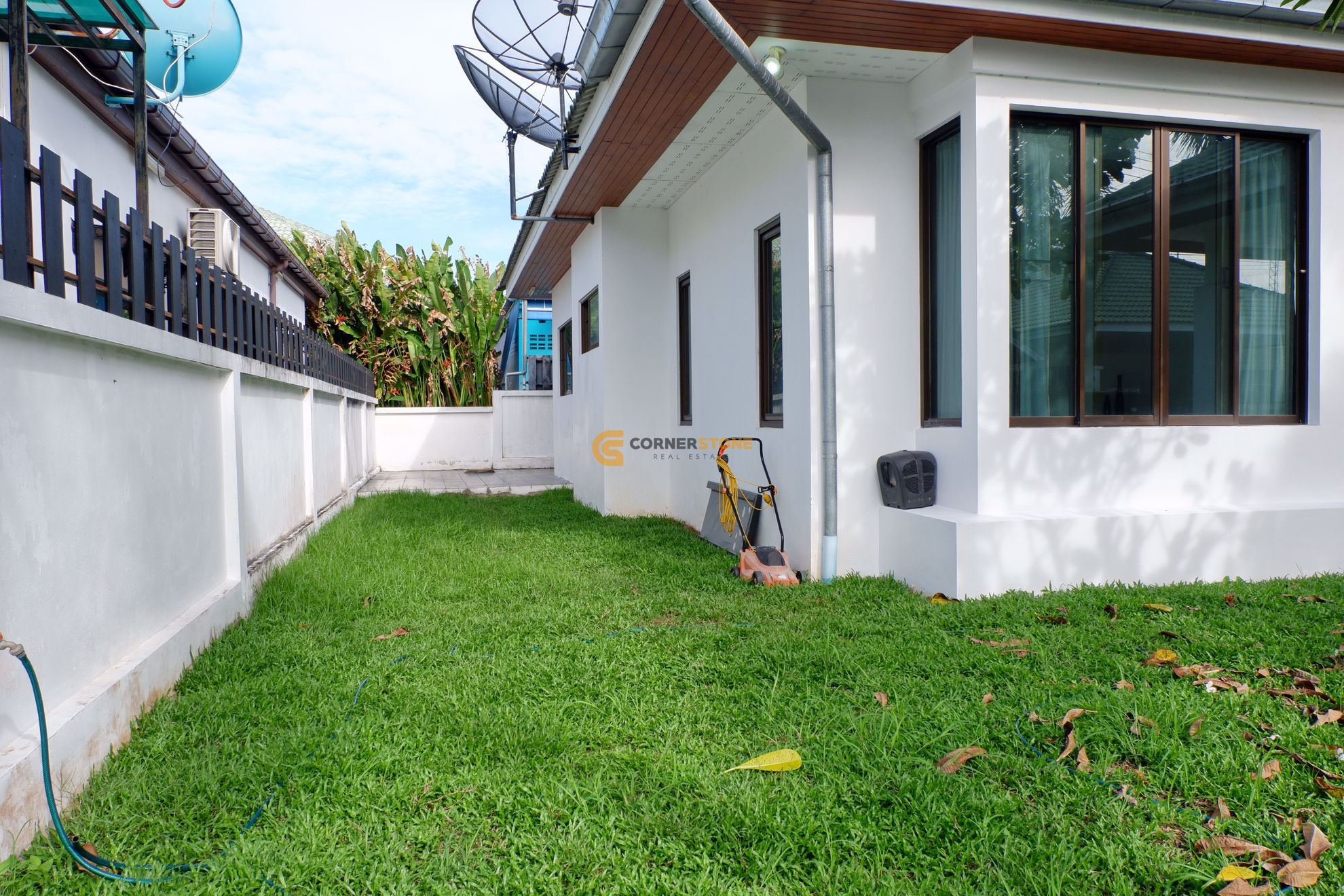 House in Siam Place  East Pattaya H002575