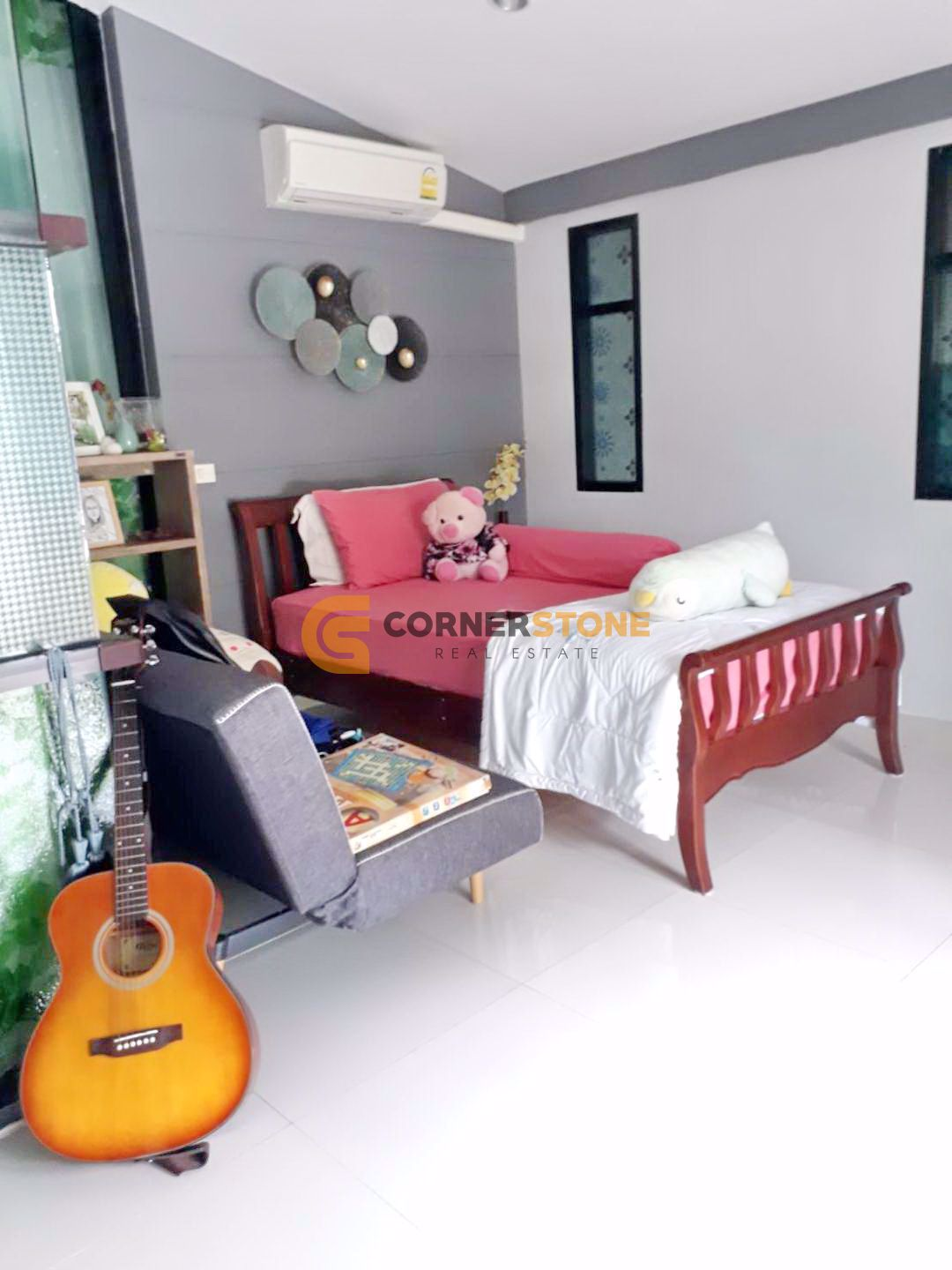 House in The Village Horseshoe Point  Pattaya H002576